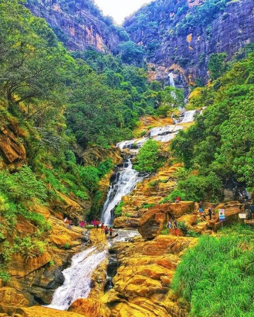ravana ella fall is one of the popular natural attraction in ella
