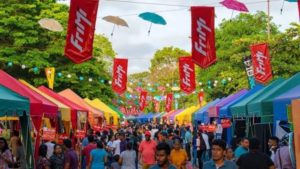 Foodiez On Street, food stalls and crowd