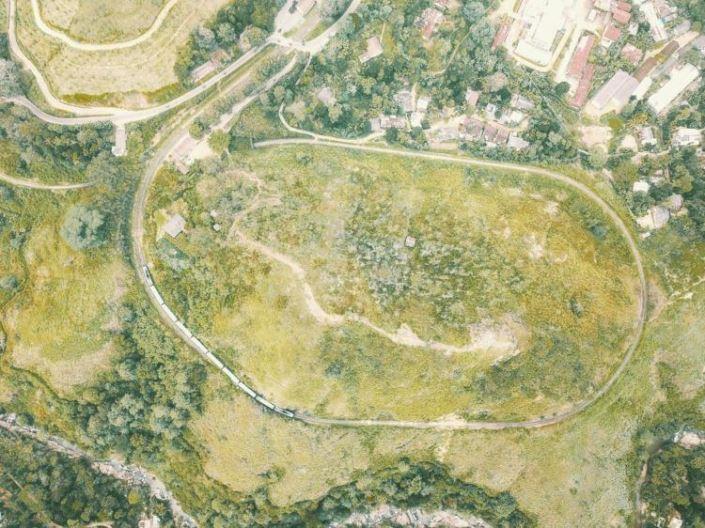 demodara loop seen from above