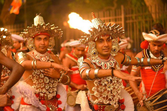 kandyan dancers in esala perahera
