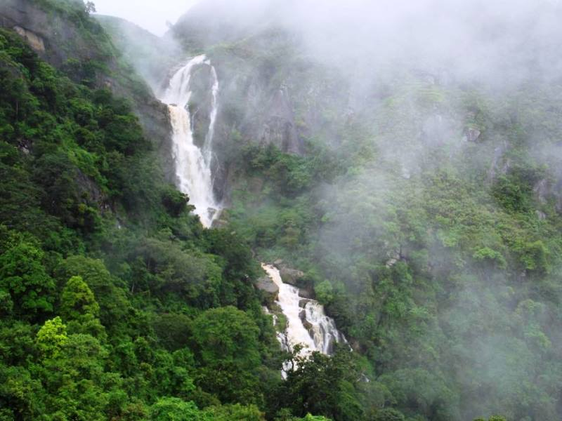 Kurundu Oya Ella Waterfall