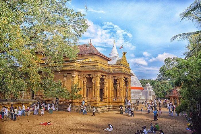 The sacred Kelaniya Temple