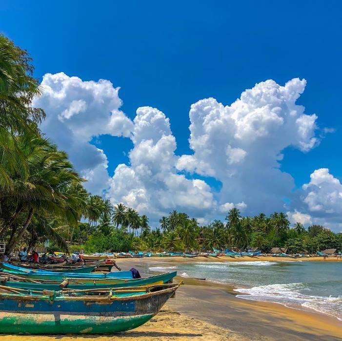 arugambay beach sri lanka