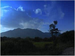 ritigala-mountain-and-a-chena
